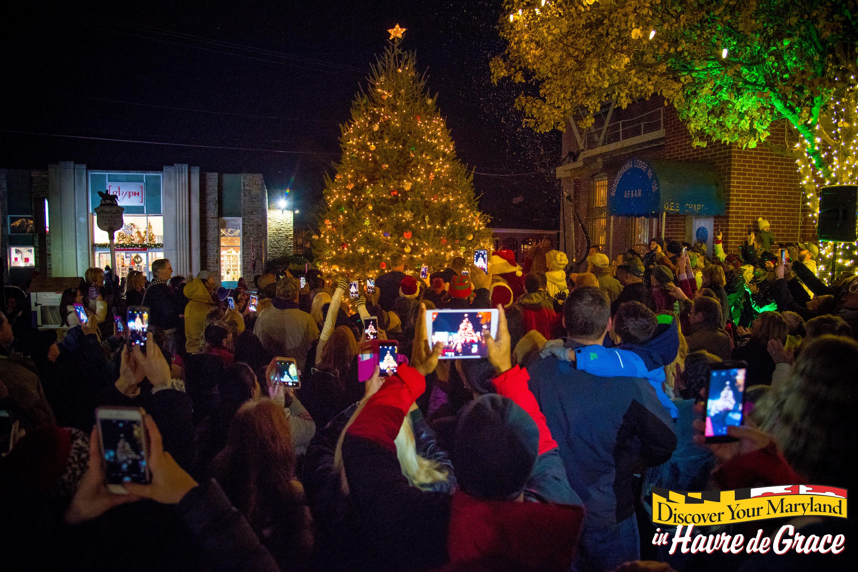 Christmas Parade & Holly Jolly